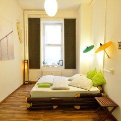 Kiez Hostel Berlin Стандартный номер с двуспальной кроватью (общая ванная комната) фото 3
