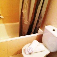 Отель Apartamentos AR Botanic Испания, Бланес - отзывы, цены и фото номеров - забронировать отель Apartamentos AR Botanic онлайн ванная