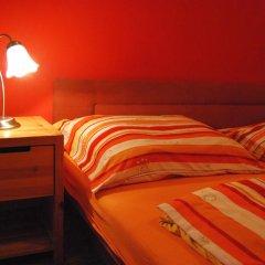 Boomerang Hostel and Apartments Стандартный номер с двуспальной кроватью (общая ванная комната) фото 8