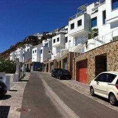 Отель Terrazas del Mar Испания, Курорт Росес - отзывы, цены и фото номеров - забронировать отель Terrazas del Mar онлайн парковка