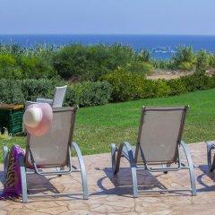 Отель Beachfront villa Del Mare Кипр, Протарас - отзывы, цены и фото номеров - забронировать отель Beachfront villa Del Mare онлайн пляж фото 2