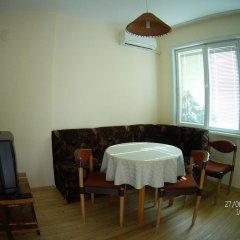 Отель Danis FeWo House Болгария, Балчик - отзывы, цены и фото номеров - забронировать отель Danis FeWo House онлайн питание