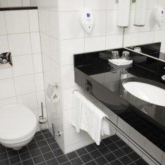 Отель Park Inn by Radisson Stockholm Hammarby Sjöstad 4* Стандартный номер с различными типами кроватей фото 5
