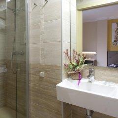 Отель Hostal Barcelona Стандартный номер с различными типами кроватей