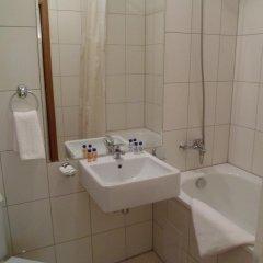 Апартаменты Cedar Lodge 3/4 Self-Catering Apartments Банско ванная