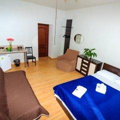 Мини-отель Белая ночь 2* Стандартный семейный номер с двуспальной кроватью (общая ванная комната)