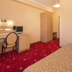 Гостиница Бригантина 3* Стандартный семейный номер с двуспальной кроватью фото 4