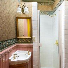Отель Simpson House Inn 5* Стандартный номер с различными типами кроватей фото 32