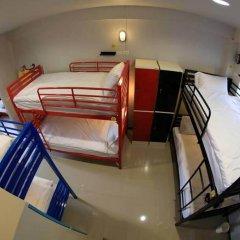Отель S1hostel Bangkok Кровать в мужском общем номере фото 2