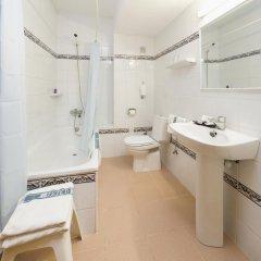 Отель Brisa Испания, Сан-Антони-де-Портмань - отзывы, цены и фото номеров - забронировать отель Brisa онлайн ванная фото 2