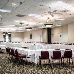 Отель Clarion Inn & Suites Clearwater