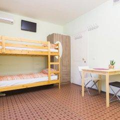Хостел Олимп Стандартный семейный номер с двуспальной кроватью (общая ванная комната) фото 7