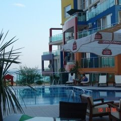 Отель Bilyana Sun Homes бассейн