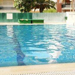 Отель Apartamentos ESCOR бассейн