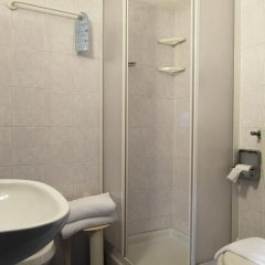 Hotel Basilea 3* Стандартный семейный номер с двуспальной кроватью фото 7
