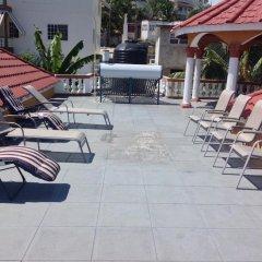 Отель Cazwin Villas Ямайка, Монтего-Бей - отзывы, цены и фото номеров - забронировать отель Cazwin Villas онлайн бассейн фото 2