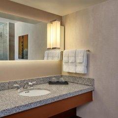 Loews Hollywood Hotel 4* Стандартный номер с различными типами кроватей