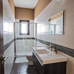 Отель Akefalou Sea View Villa Кипр, Протарас - отзывы, цены и фото номеров - забронировать отель Akefalou Sea View Villa онлайн ванная