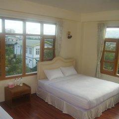 Отель Ostello Bello Nyaung Shwe Номер Делюкс с двуспальной кроватью