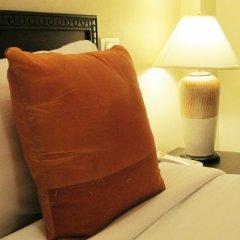 The Phoenix Hotel Bangkok 3* Стандартный номер с различными типами кроватей