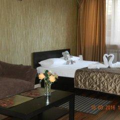 Мини-Отель Уют Стандартный семейный номер с различными типами кроватей