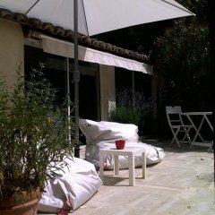 Отель Le Mas de la Treille Bed & Breakfast 3* Коттедж Делюкс с различными типами кроватей фото 3