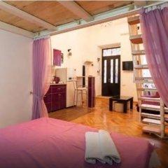 Отель Comfortable Flat in Central Tbilisi комната для гостей фото 5