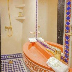 Отель Dar Ikalimo Marrakech 3* Номер Комфорт с различными типами кроватей фото 7
