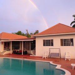 Отель The Retreat @ A Piece Of Paradise Ямайка, Монтего-Бей - отзывы, цены и фото номеров - забронировать отель The Retreat @ A Piece Of Paradise онлайн бассейн