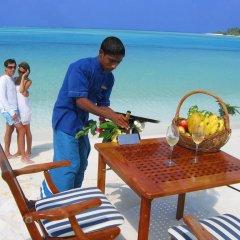 Отель Beachwood at Maafushi Island Maldives пляж