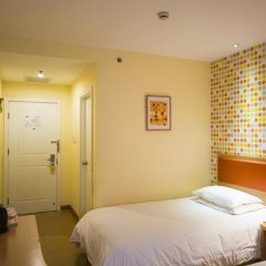 Отель Home Inn Shanghai JInqiao Boxing Road Metro Station комната для гостей фото 2