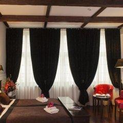 Отель Holland House Residence 4* Улучшенный номер фото 5