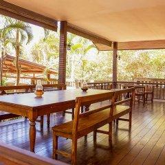 Отель Coco Palm Beach Resort питание фото 3