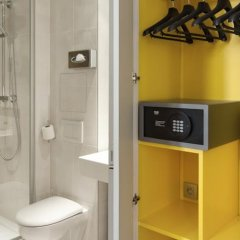 Best Western Plus 61 Paris Nation Hotel сейф в номере