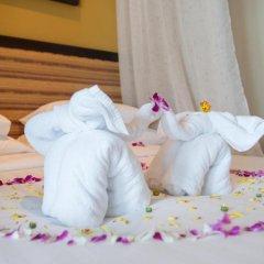 Отель Andaman White Beach Resort 4* Улучшенный номер с двуспальной кроватью фото 7