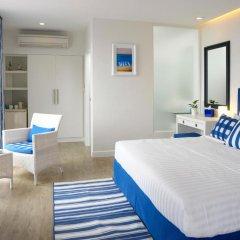 Отель Phuket Boat Quay 4* Улучшенный номер с различными типами кроватей фото 9