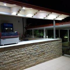 Hotel Relax Dhermi гостиничный бар