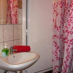 Boomerang Hostel Кровать в общем номере фото 9
