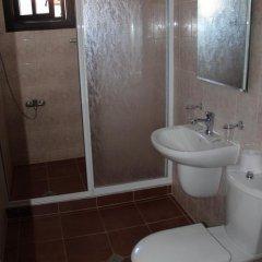 Отель Holiday Village Kedar Болгария, Долна баня - отзывы, цены и фото номеров - забронировать отель Holiday Village Kedar онлайн ванная