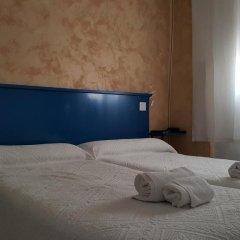 Отель Giraldilla Номер категории Эконом с различными типами кроватей фото 12