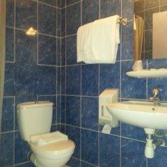 Отель Hôtel Saint-Hubert ванная фото 5