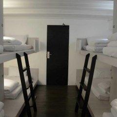 3howw Hostel @ Sukhumvit 21 Кровать в общем номере фото 7