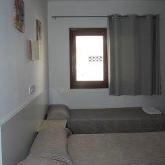Отель Hostal Las Nieves Стандартный номер с различными типами кроватей (общая ванная комната) фото 36