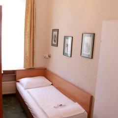 Boutique Hotel Donauwalzer 3* Номер категории Эконом с различными типами кроватей фото 4