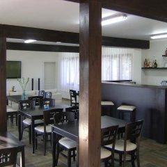 Отель Miza Guest House гостиничный бар