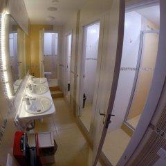 Гостиница HQ Hostelberry Кровать в общем номере с двухъярусной кроватью фото 39