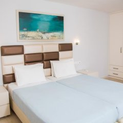 Апартаменты Brentanos Apartments ~ A ~ View of Paradise Семейные апартаменты с двуспальной кроватью фото 30