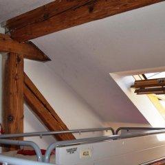 Отель Langstars Backpackers Кровать в общем номере фото 18