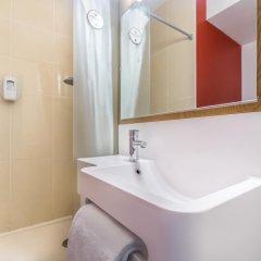 Отель B&B Hôtel CANNES Ouest La Bocca 3* Стандартный номер с разными типами кроватей