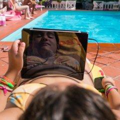 Hotel Apis бассейн